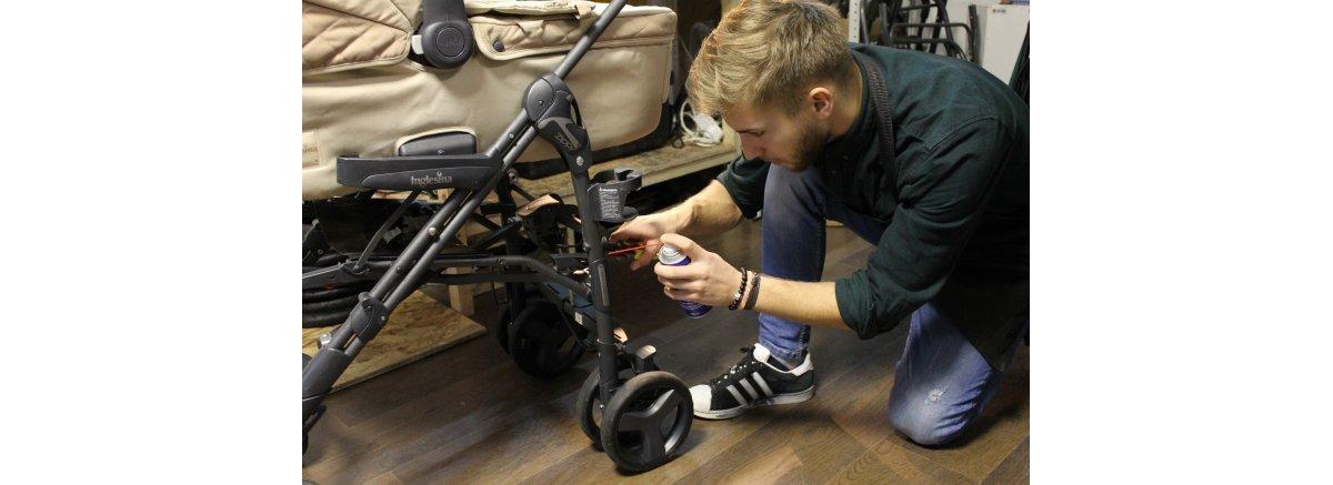 Почему скрипит коляска, чем смазать коляску, как правильно ...